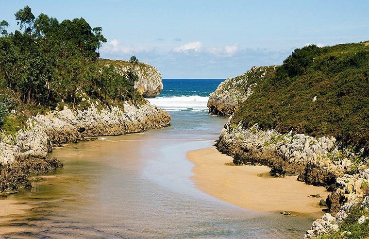 Playa de Guadamia, Llanes, Ribadesella, Asturias