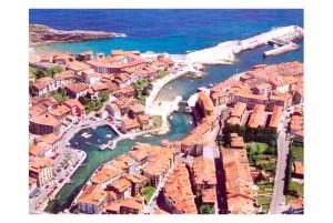 Puerto y pueblo de Llanes